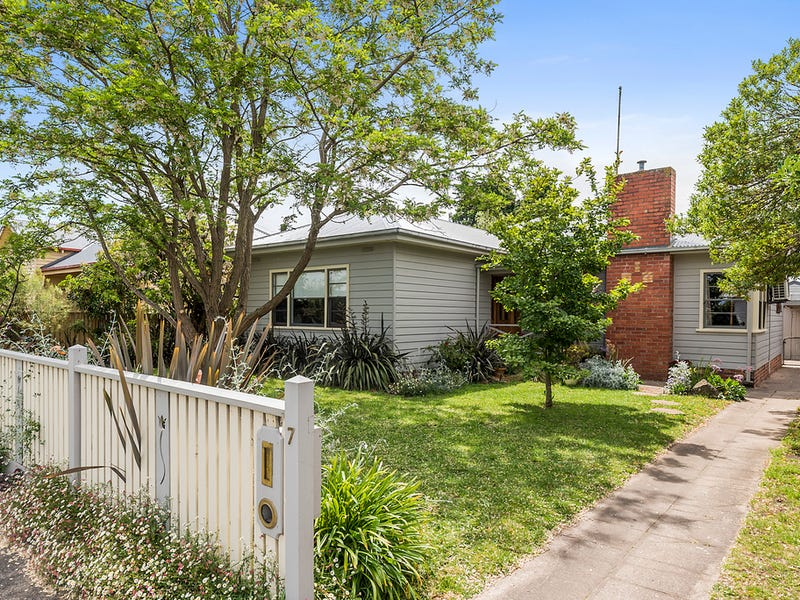 7 Marks Street, Colac, Vic 3250