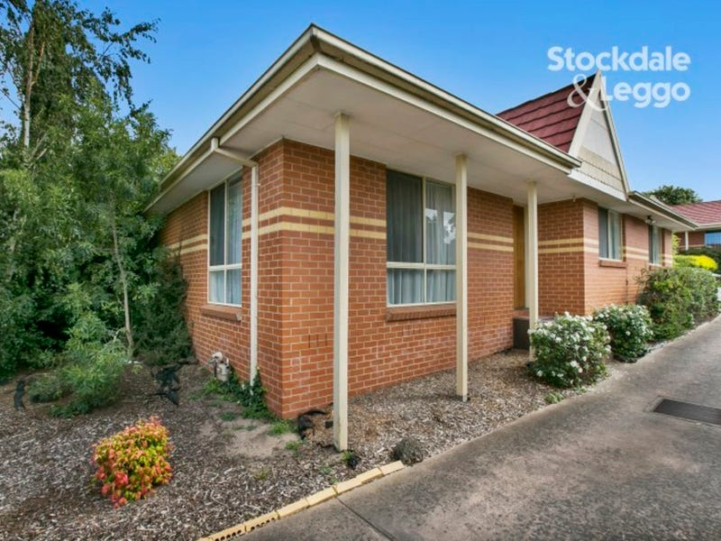1/12 Meadow Wood Walk, Narre Warren, Vic 3805