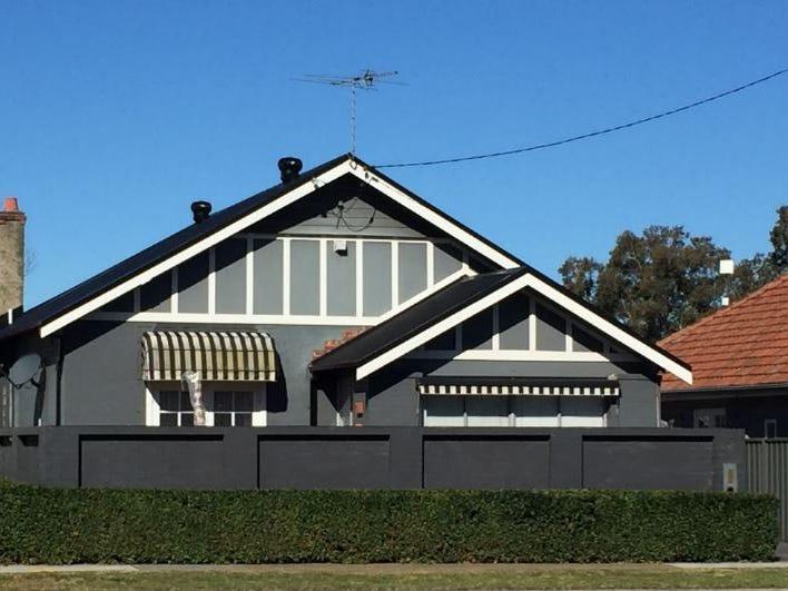 5 Stewart Avenue, Hamilton East, NSW 2303