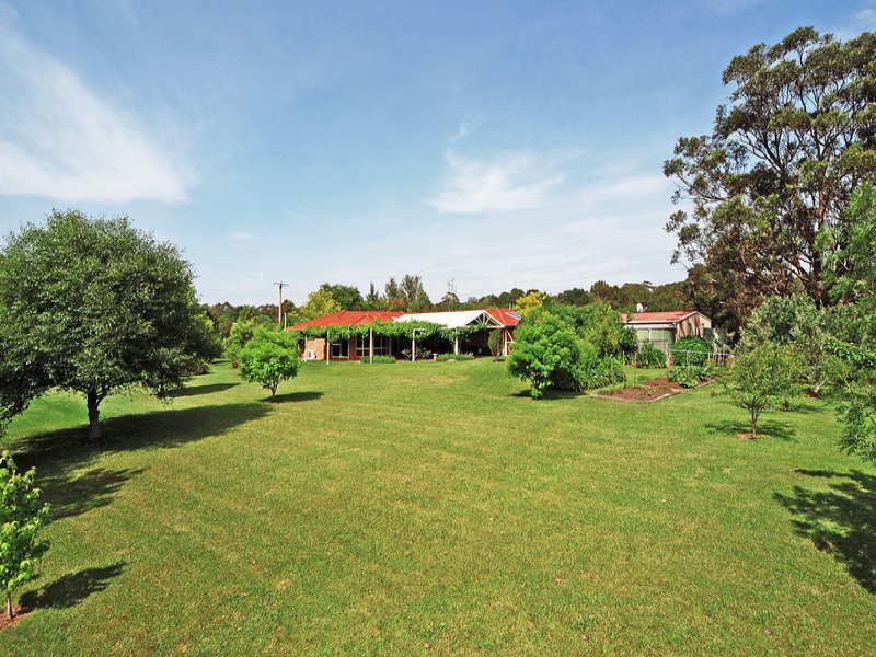 15 Vallon  Road, Woollamia, NSW 2540