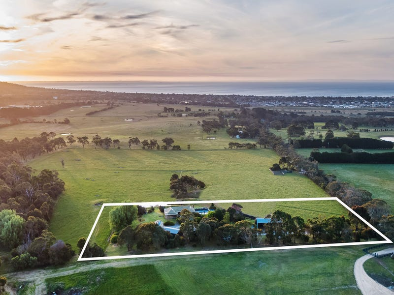 120 Wallaces Road, Dromana, Vic 3936