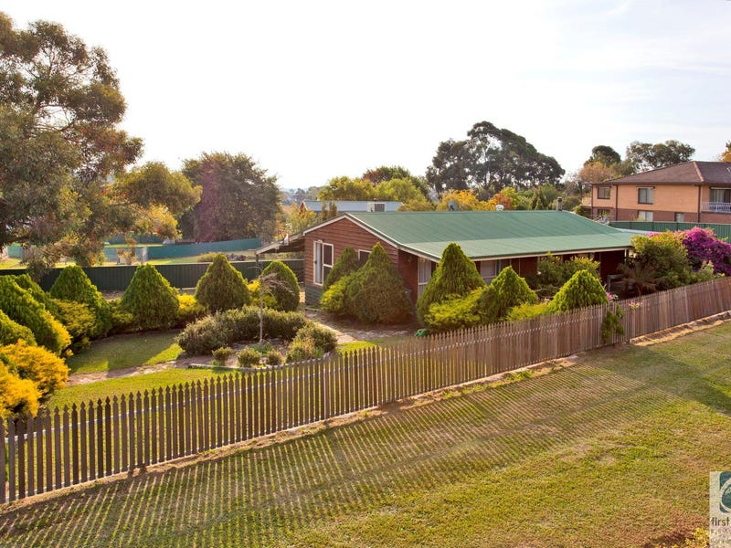 13 Buckland Gap Road, Beechworth, Vic 3747
