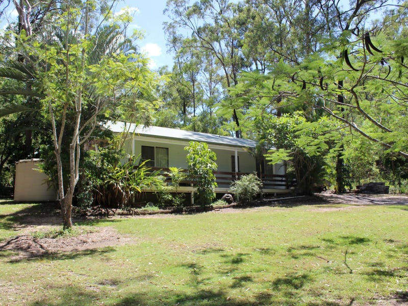 11 Commodore Drive, South Bingera, Qld 4670