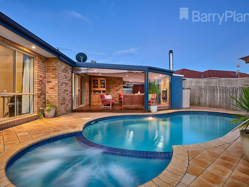 2 Stacey Court, Endeavour Hills, Vic 3802