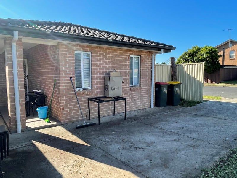 13a Marina Close, Bossley Park, NSW 2176