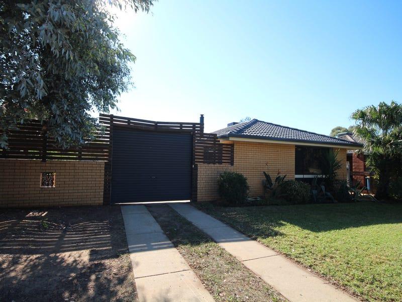 67 Huthwaite Street, Mount Austin, NSW 2650