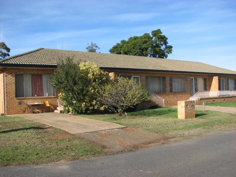 2 Little Underwood Street, Forbes, NSW 2871