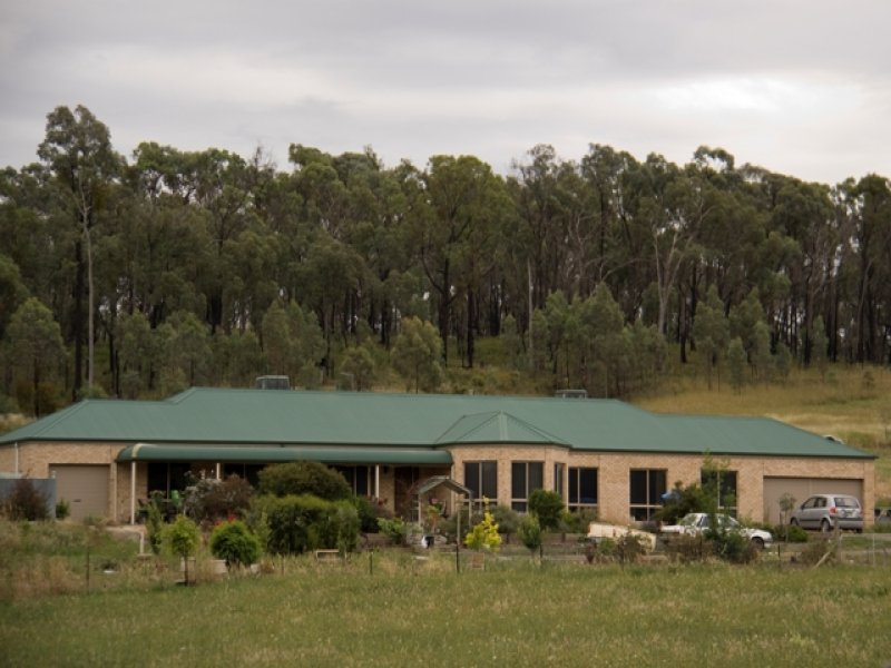 97 Chiltern-Howlong Road, Chiltern, Vic 3683