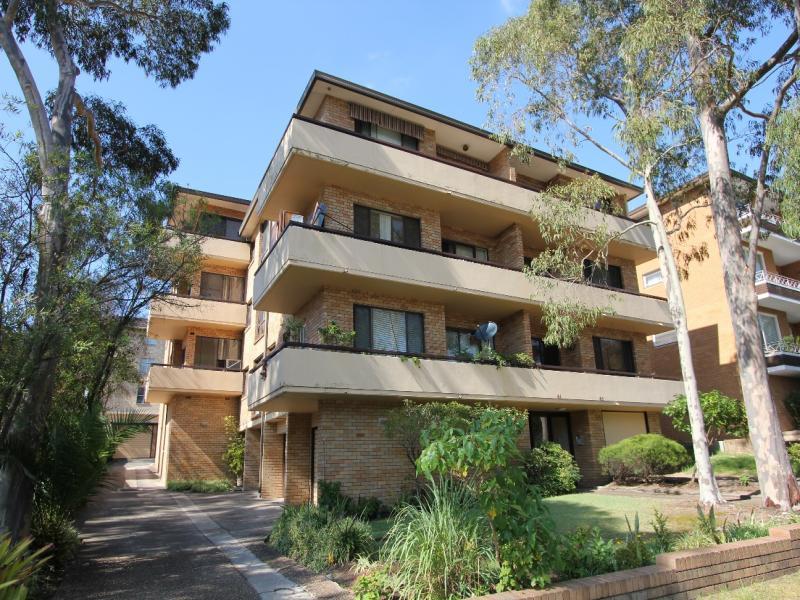 4/61 Warialda Street, Kogarah, NSW 2217