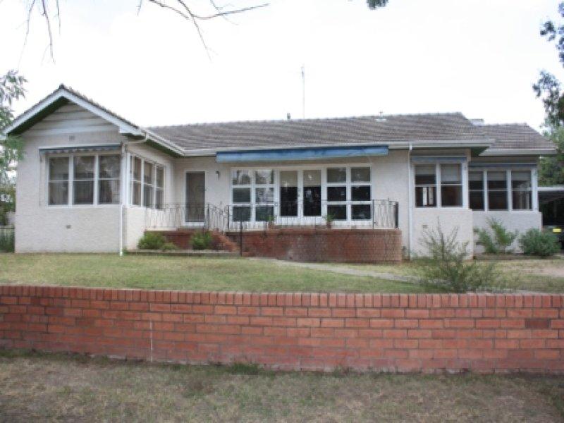 9 Braintree Avenue, Corowa, NSW 2646