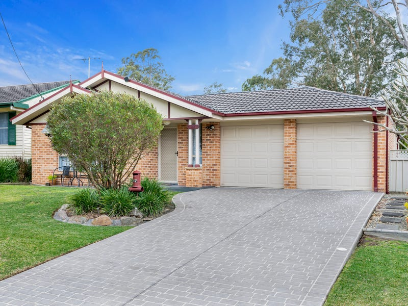 17 Sunset Parade, Chain Valley Bay, NSW 2259