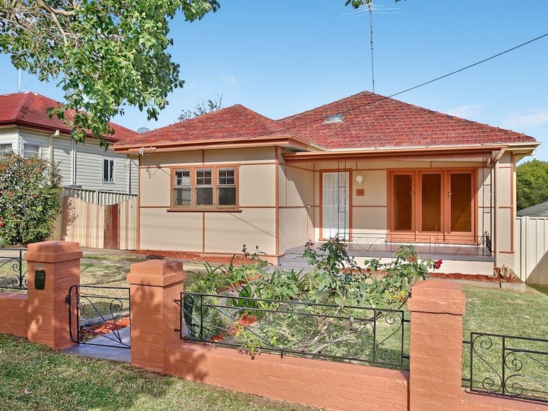 71 Lithgow Street, Campbelltown, NSW 2560