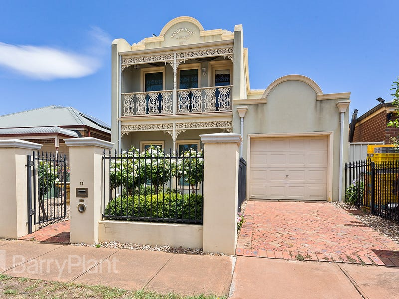 12 Windsor Gardens, Caroline Springs, Vic 3023