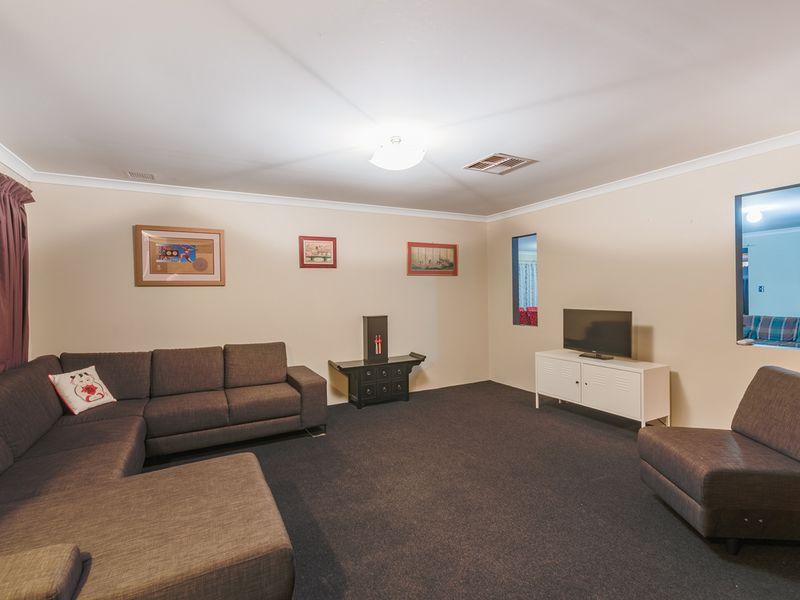 11 Tuart Court, Thornlie, WA 6108