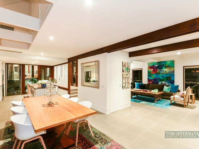 9 Wild Apple Ct, Noosa Heads