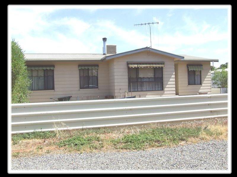 2 RF Nicholls Drive, Crystal Brook, SA 5523