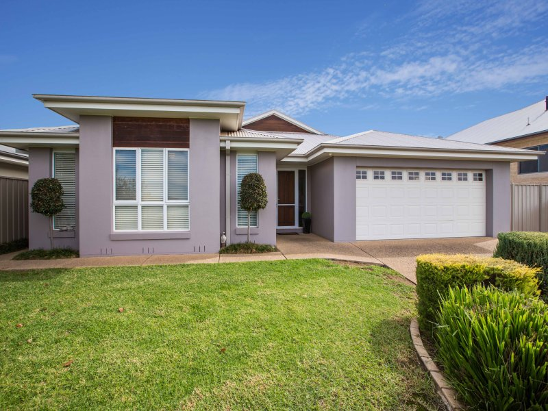 14 Cumberland Court, Tatton, NSW 2650