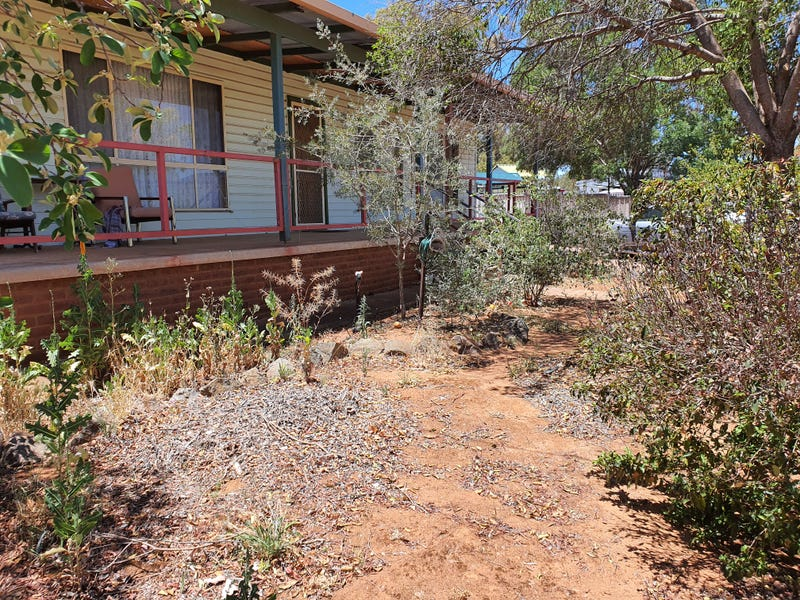 28 CASSITERITE CRESCENT, Ardlethan, NSW 2665