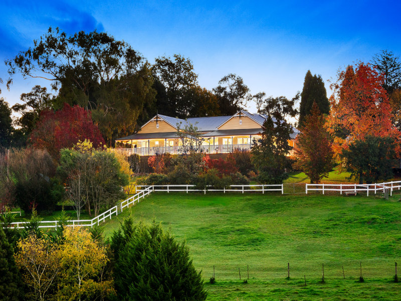390 Beaconsfield-Emerald Rd, Dewhurst, Vic 3808