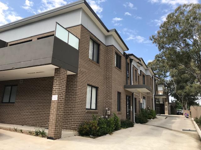 9 Bogalara Rd, Old Toongabbie, NSW 2146