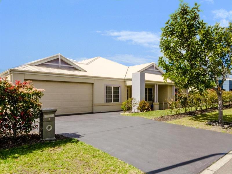 5 Stringybark Drive, Fern Bay, NSW 2295