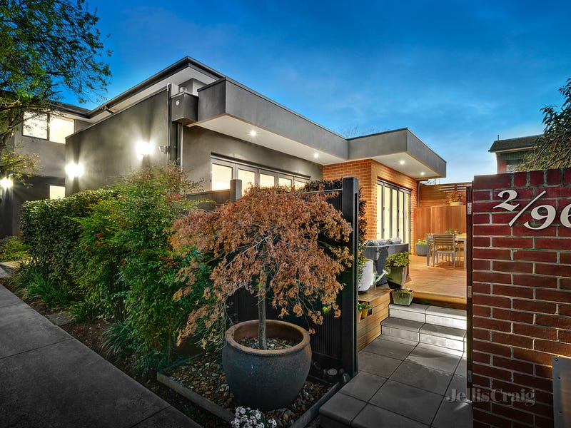 2/96 Campbell Road, Hawthorn East, Vic 3123