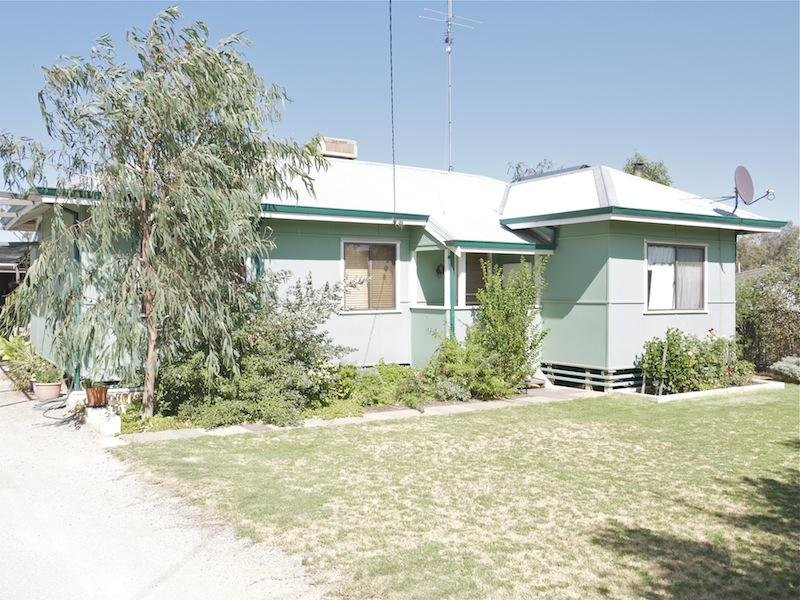 15 Milhinch Street, Muluckine, WA 6401