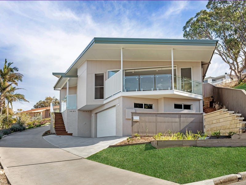 2/1 Michele Crescent, Forster, NSW 2428