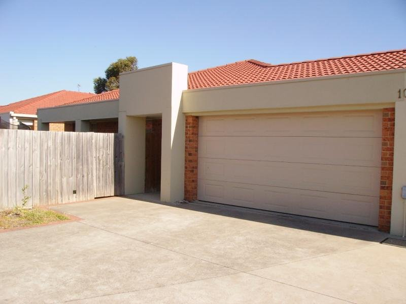 **UNDER CONTRACT**10 Wallace Street, Morwell, Vic 3840