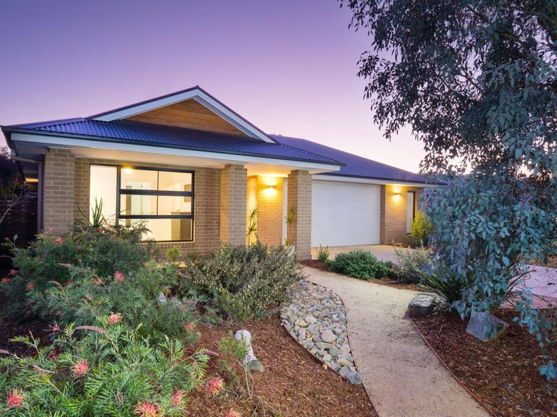 1 Bluff Court, Glenroy, NSW 2640