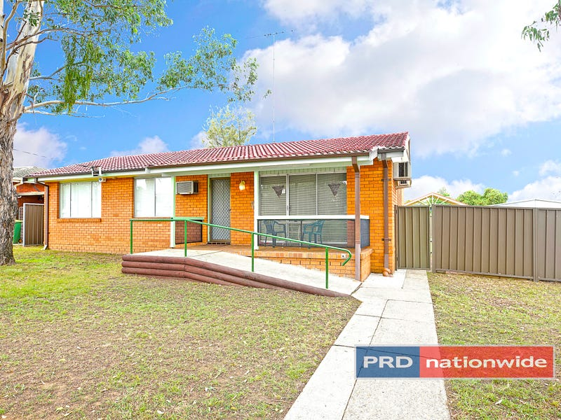 16 Timgalen Avenue, South Penrith, NSW 2750