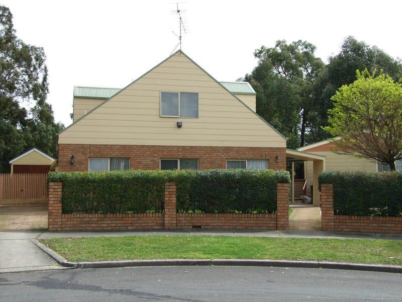 7 Howitt Court, Newborough, Vic 3825