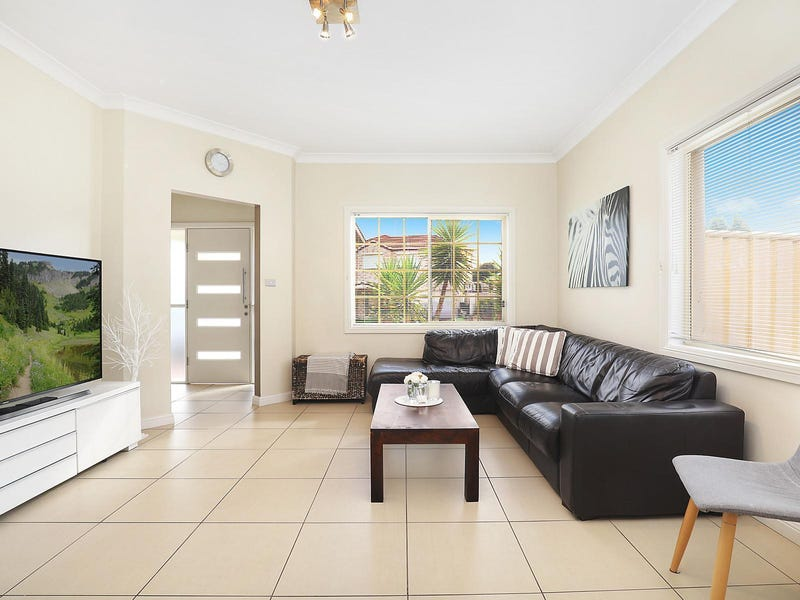 1 Saxon Place, Cecil Hills, NSW 2171