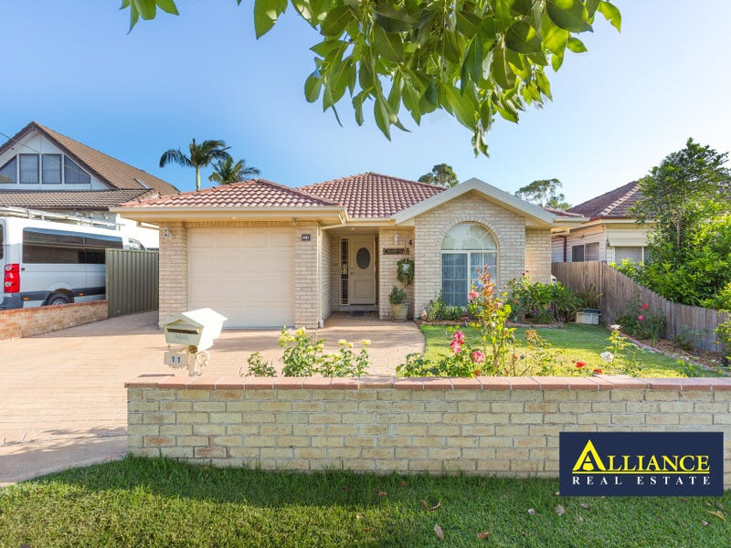 11 Childs Street, East Hills, NSW 2213