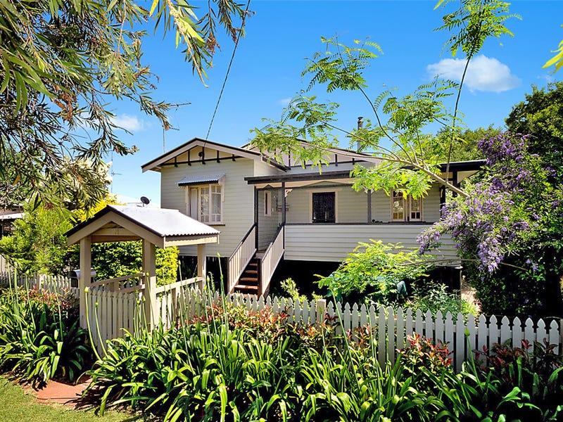11 Leonard Street, East Toowoomba, Qld 4350