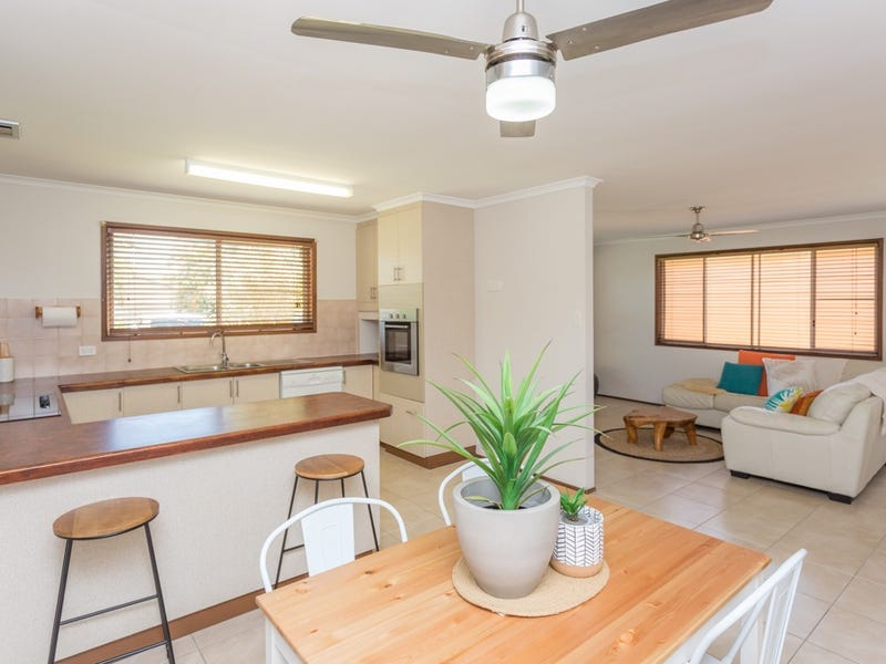 13 Palm Court, Bucasia, Qld 4750