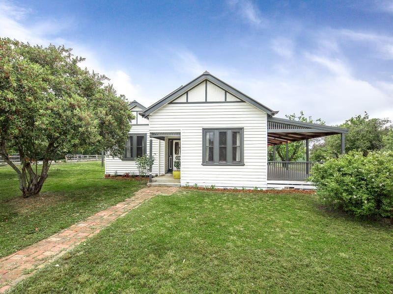 39 Main Road, Lancefield, Vic 3435