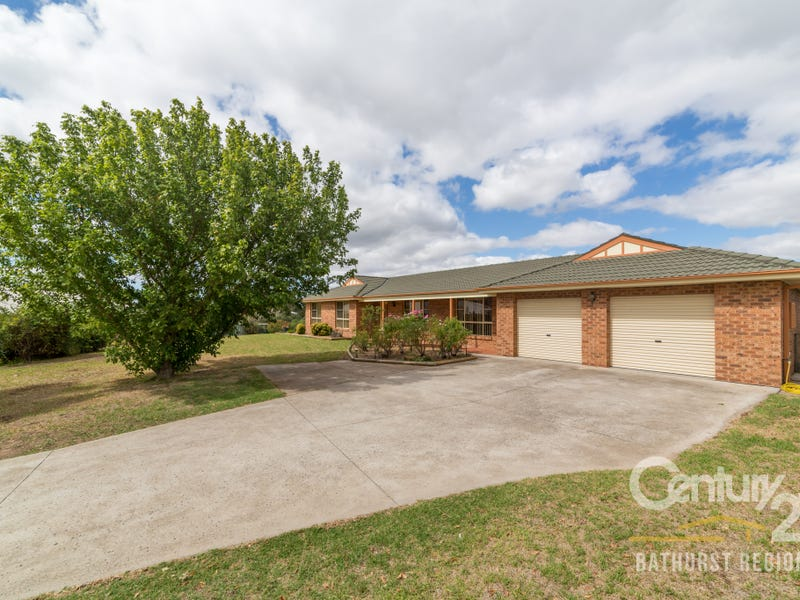 8 Kensington Place, Perthville, NSW 2795
