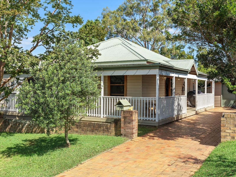 2 Dunn Street, Point Frederick, NSW 2250