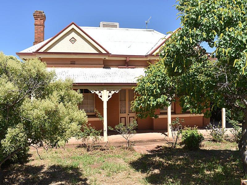 62 Euchie Street, Peak Hill, NSW 2869