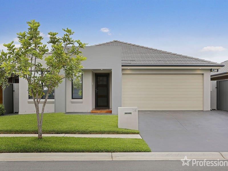 16 Freedom Street, Gregory Hills, NSW 2557