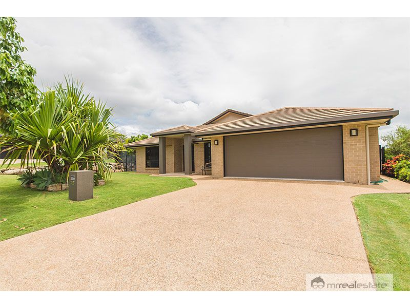 12 Laird Avenue, Norman Gardens, Qld 4701