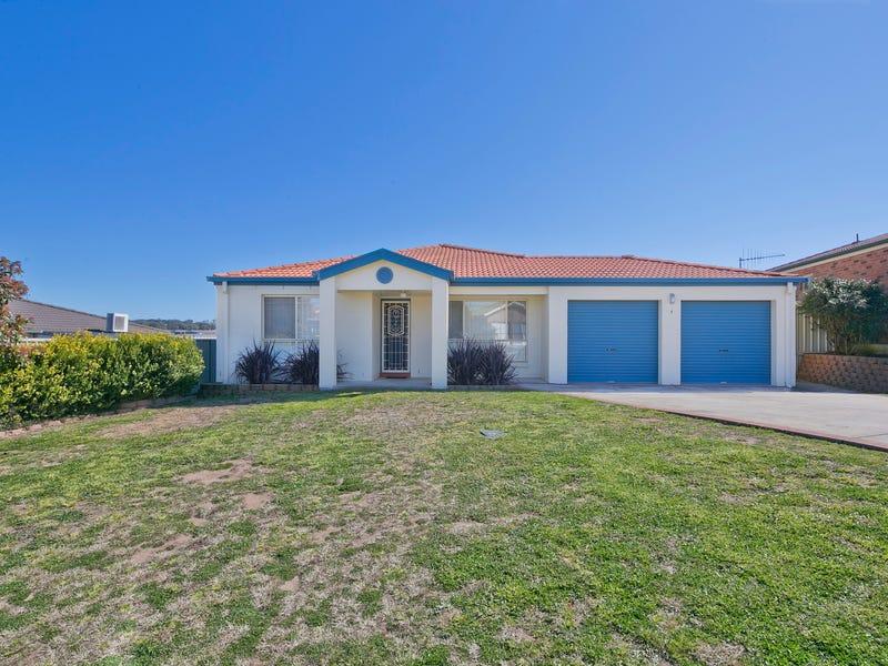 8 Joanna Place, Goulburn, NSW 2580