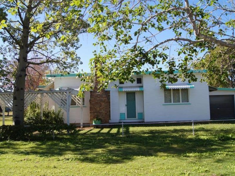 40 Pine Street, Miles, Qld 4415