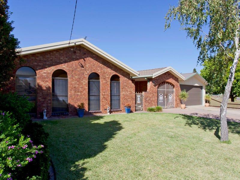 73 Balfour Street, Culcairn, NSW 2660