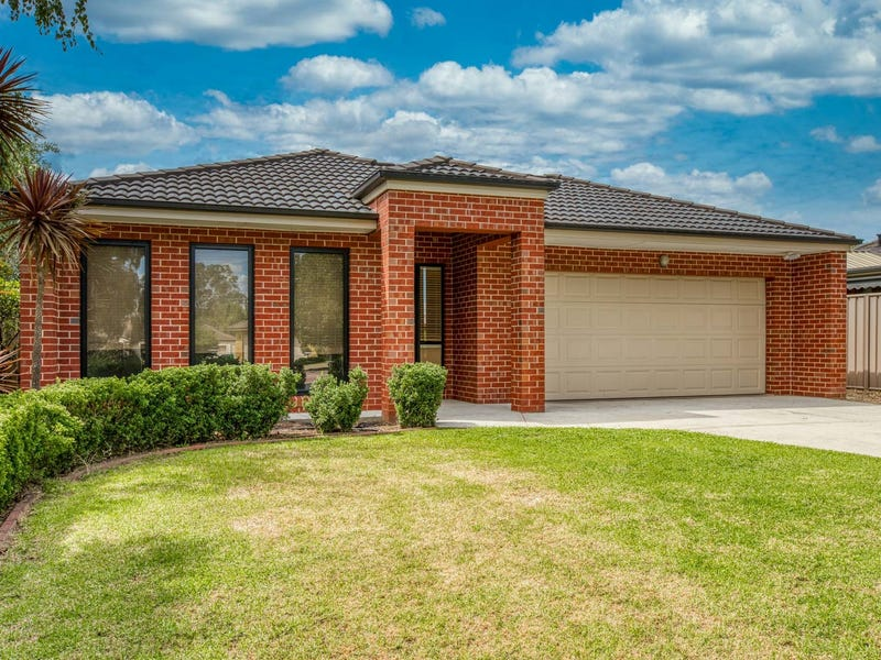 18 Cassinia Court, Thurgoona, NSW 2640