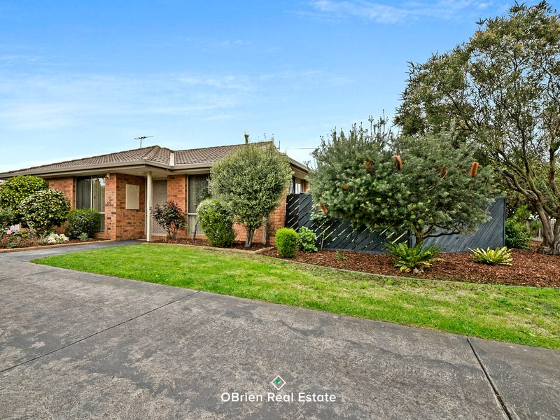 1/8 Lancaster Avenue, Narre Warren, Vic 3805