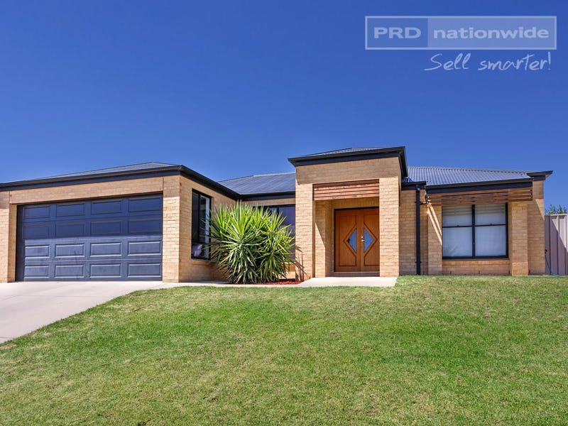 62 Yarrawah Crescent, Bourkelands, NSW 2650