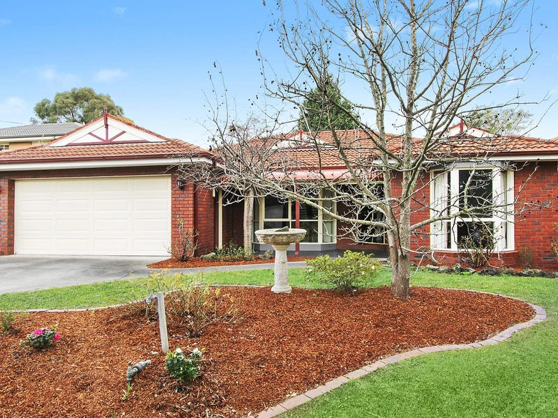 10 Golden Ash Walk, Croydon North, Vic 3136