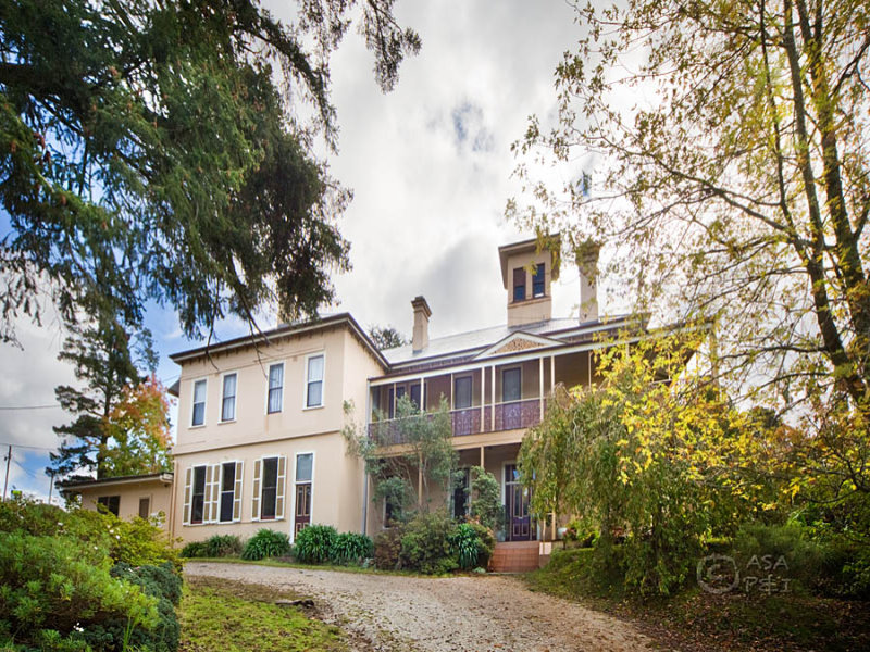 manor house montgomery street mount victoria nsw 2786. Black Bedroom Furniture Sets. Home Design Ideas